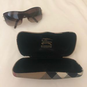 AUTHENTIC BURBERRY SUNGLASSES!!